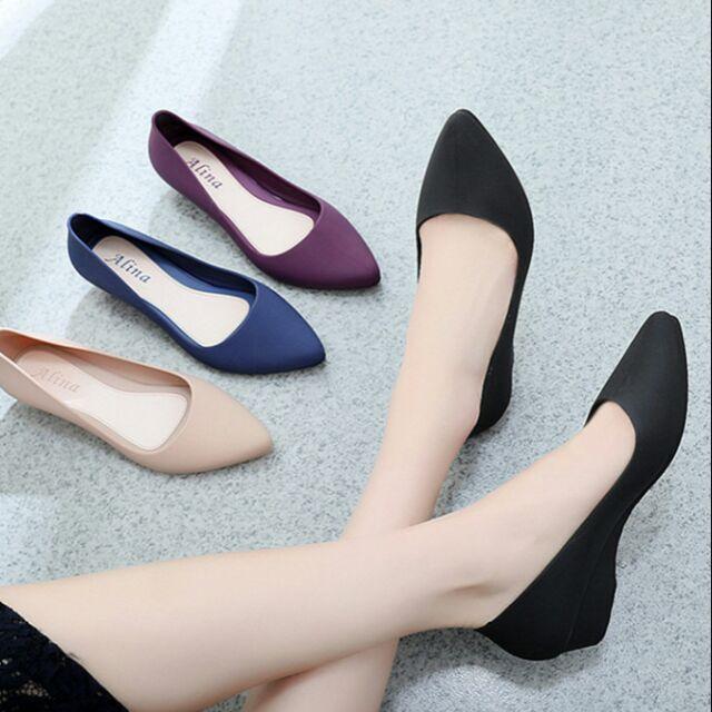 Combo 5 đôi giày đi mưa bít mũi