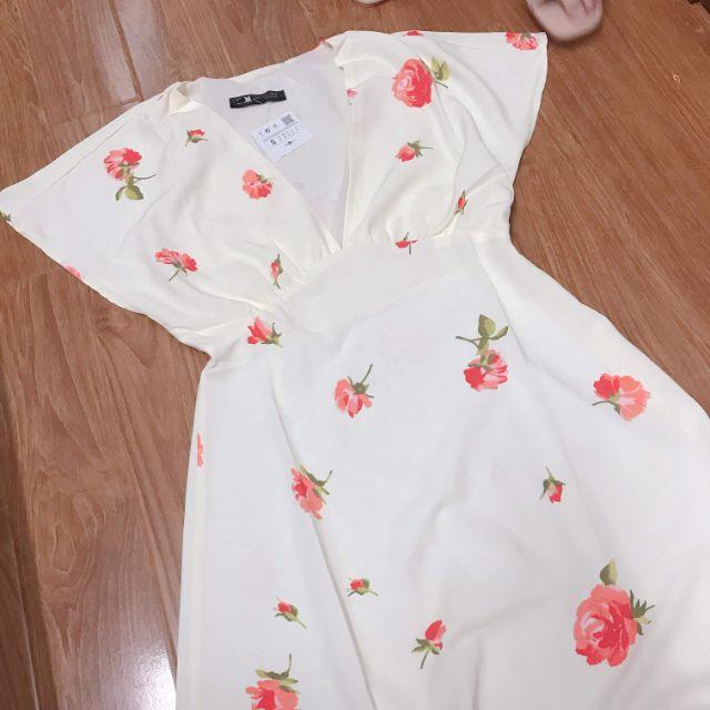 Đầm hoa Zara