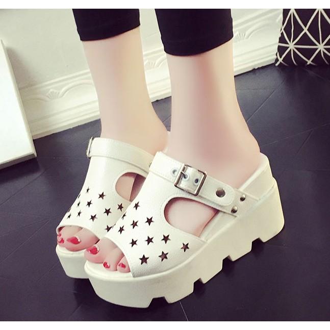 Sandal cao gót chống trơn trợt