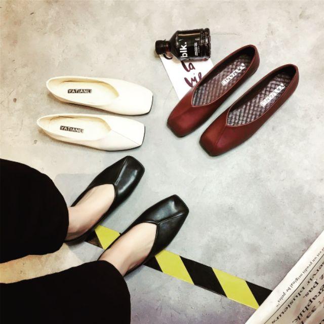 Giày bệt mũi vuông