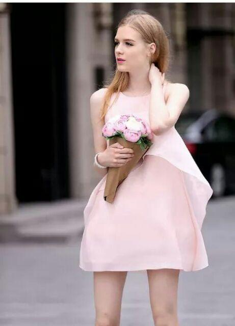 Đầm dáng suông màu hồng phấn nữ tính