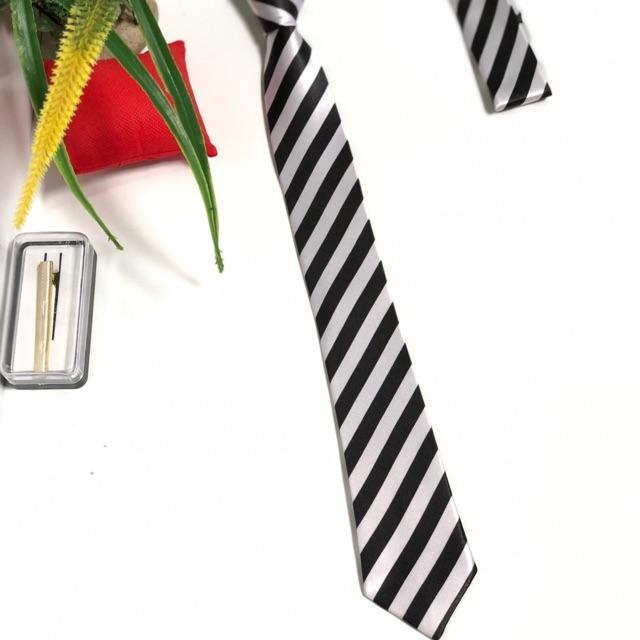 Cà vạt học sinh , sinh viên - cavat công sơ