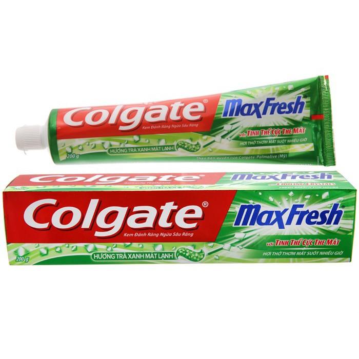 Kem đánh răng Colgate MaxFresh trà xanh cực the mát 200g