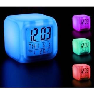 Đồng hồ led đổi màu