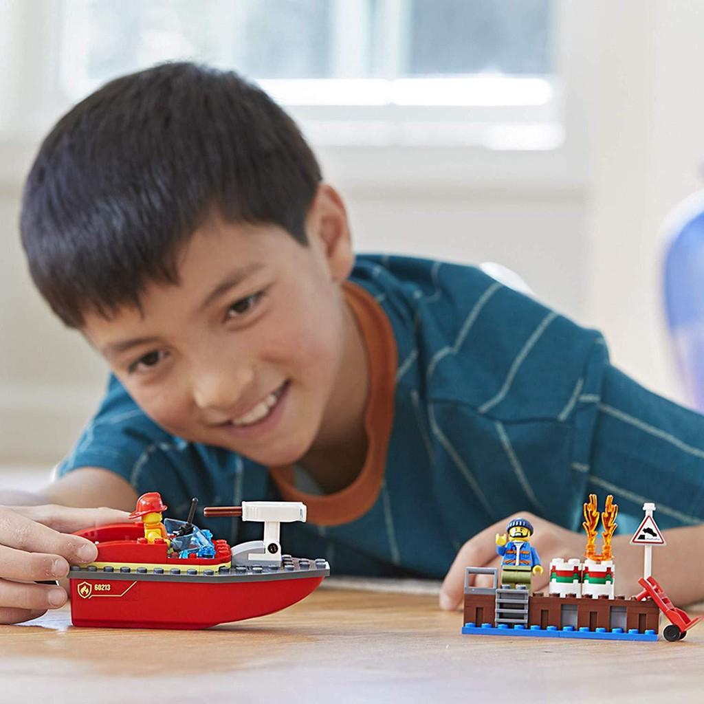 LEGO City - 60213 - Cứu Hỏa Bến Tàu (97 Chi Tiết)