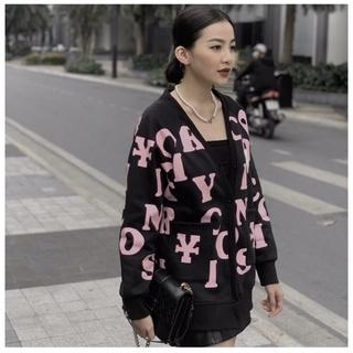 Áo khoác cadigan nhiều kí tự chất nỉ ngoại phong cách Mis Thy form dưới 60kg cho các bạn nữ