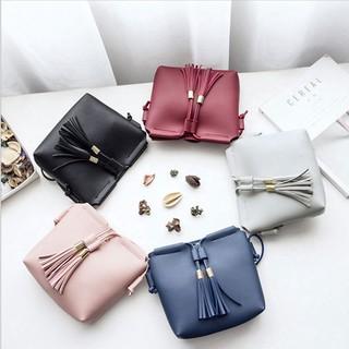 Sale 70% Túi đeo chéo da PU màu trơn phối núm tua thời trang Hàn Quốc cho nữ, Blue/Xanh lam Giá gốc 73,000 đ - 85B104