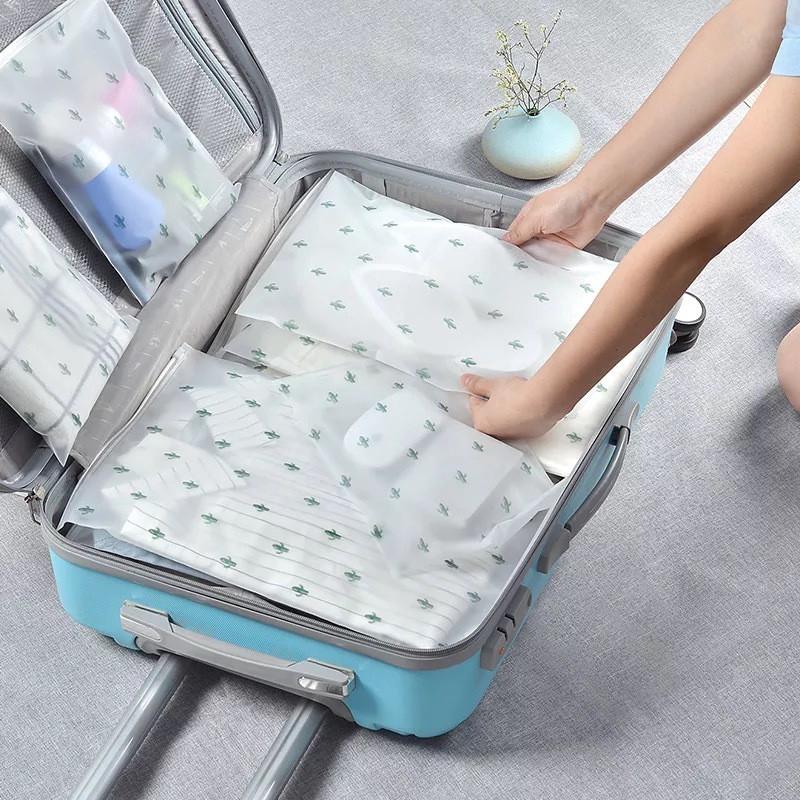 Túi trong suốt chống thấm nước dùng đựng quần áo/my phẩm khi đi du lịch