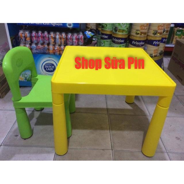 Bộ bàn ghế trẻ em - 1 bàn 1 ghế