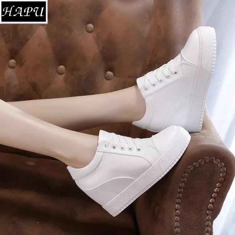 (XẢ KHO) FREE SHIP Giày sneaker nữ nâng đế buộc dây (kèm hình thật) HAPU (tùy chọn: trắng hoặc đen)
