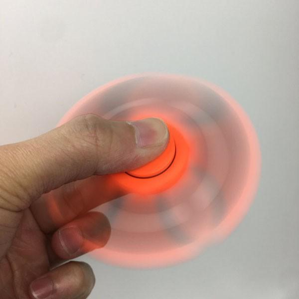 Combo 2 con quay Spinner có đèn led phát sáng siêu ngầu cho bé 0962635288