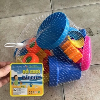 10 Bộ đồ chơi đi biển – Nutifood