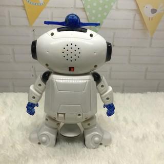 Robot nhảy múa theo nhạc xoay 360 độ