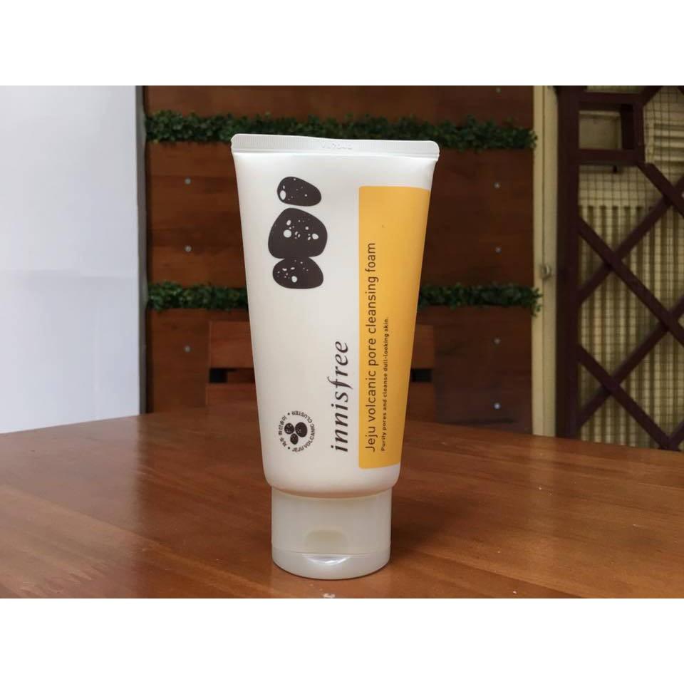 Sữa rửa mặt Tro Núi Lửa Innisfree Jeju Volcanic Pore Cleansing Foam