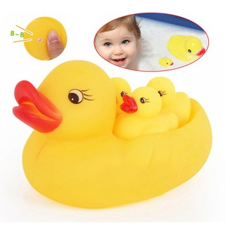 4Pcs Rubber Yellow Duck Family Bath Set Floating Bath Tub Toy