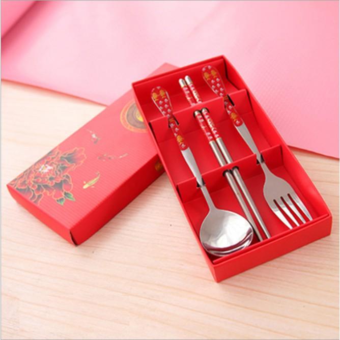Bộ đũa muỗng nĩa in hoa văn - quà tặng, du lịch, văn phòng