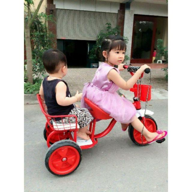 Xe đạp 3 bánh hai chỗ ngồi