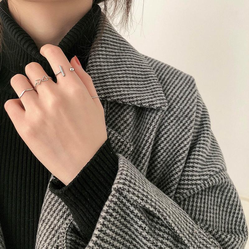 Bộ nhẫn đeo tay thiết kế đơn giản thời trang