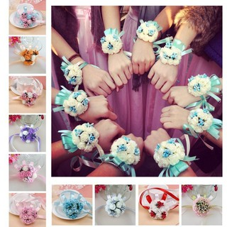 Vòng tay đính hoa làm phù dâu cho bé gái thumbnail