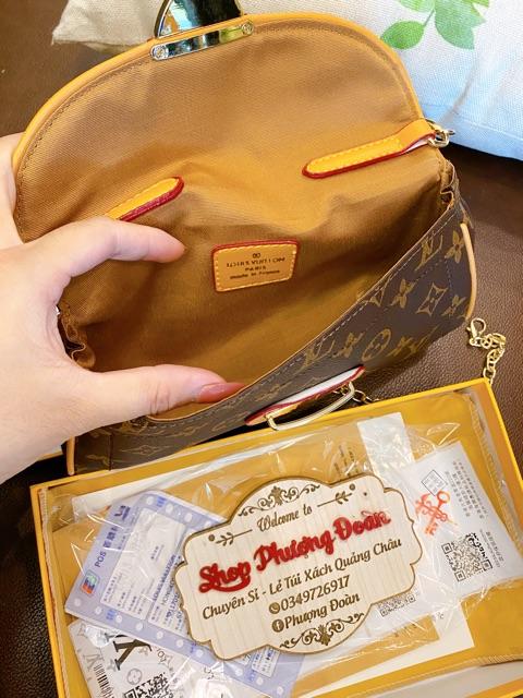 Túi kẹp nách khoá sập kèm 2 dây đeo có hộp size 22