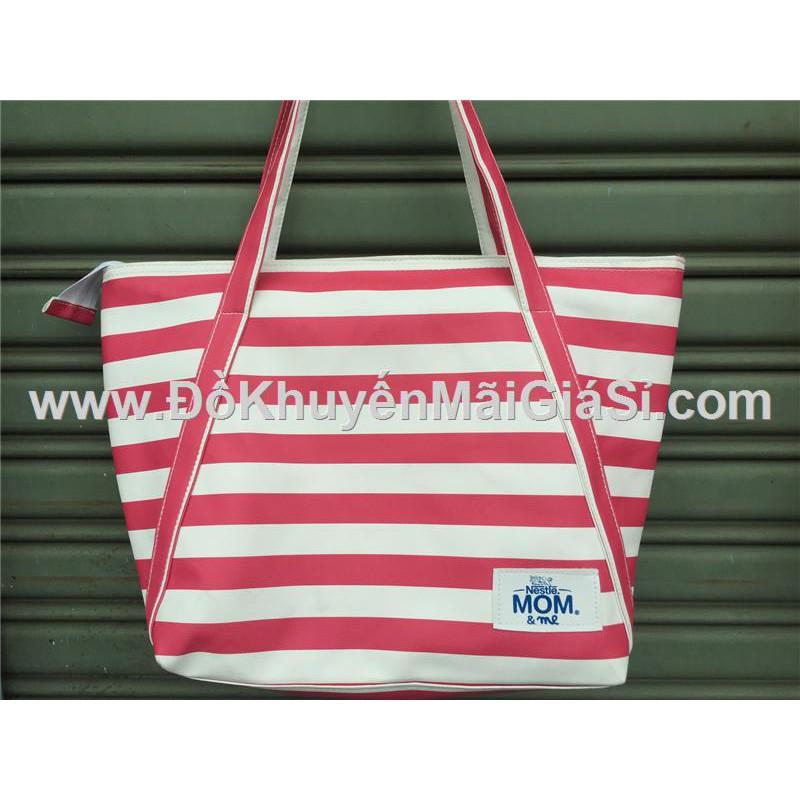 Túi xách Tresemme chống ướt sọc hồng trắng - Kt: (38 x 33 x 15 x 29) cm.