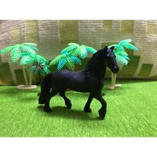 Đồ chơi Ngựa Frisian SCHLEICH
