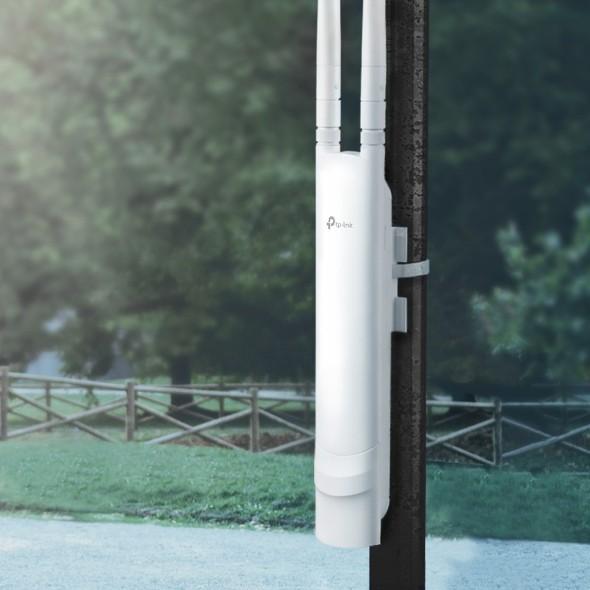 Thiết bị phát sóng Wifi ngoài trời TP-LINK EAP110-Outdoor 300Mbps Wireless N - Hàng chính hãng.