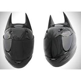 Nón mũ bảo hiểm Fullface AGU đen bóng kèm sừng BATMAN đen - Fullface AGU đen bóng gắn tai BATMAN - Bảo hành 12th