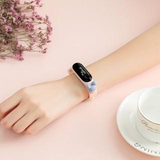 Đồng hồ cho bé siêu đáng yêu
