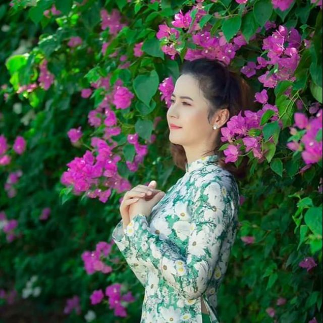 Vải áo dài hoa cúc siêu xinh set 300k