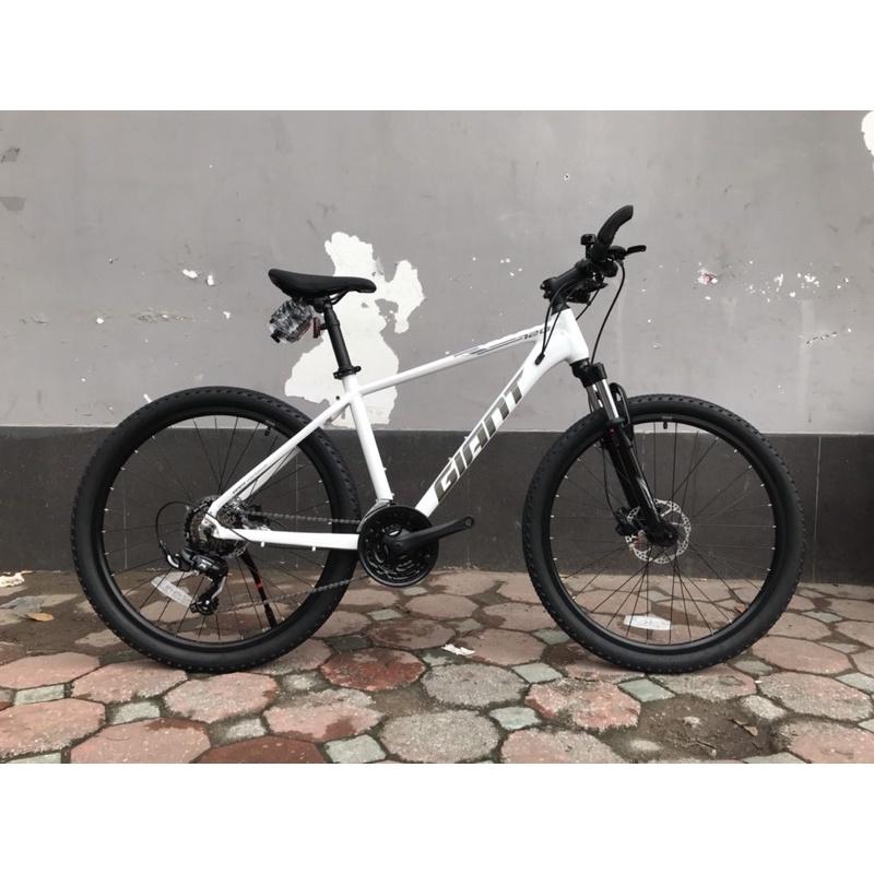 Xe đạp thể thao GIANT ATX 720 2022