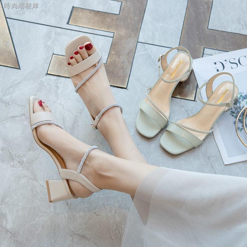 Sandal thiết kế xinh xắn thời trang dành cho nữ
