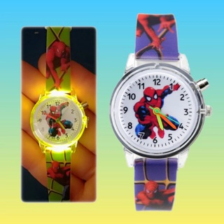 Đồng hồ bé trai siêu nhân người nhện có đèn led phát sáng cực đẹp