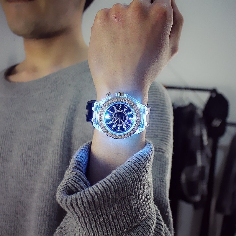 Đồng hồ LED nam nữ phát sáng cực đẹp LD1