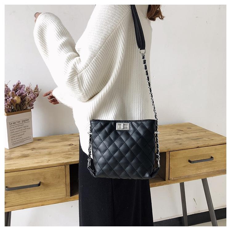 [ BEST SELLER ] Túi da trần khóa ngang, túi đeo chéo nữ - T716