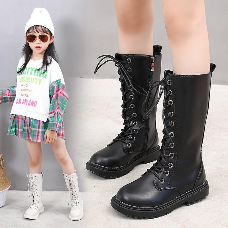 Giày phong cách thời trang mùa thu cho bé gái