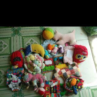 Sét đồ chơi của Nguyễn Thuy Linh