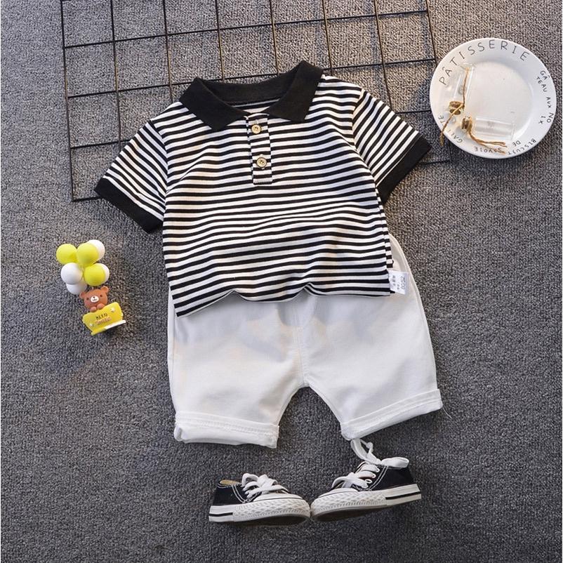 Set áo thun tay ngắn cổ bẻ họa tiết sọc + quần ngắn thời trang cho bé trai