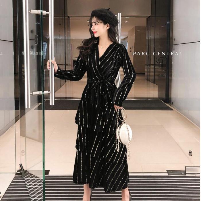 2019 แฟชั่นใหม่อารมณ์ส่วนยาวกำมะหยี่เอวบางลดความอ้วนเค้กร้อนชุดยาวเสื้อผ้าสตรี