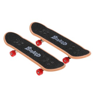 2pcs Plastic Mini Finger Skateboarding Fingerboard Toys Finger Skate Boarding Classic Game Boys