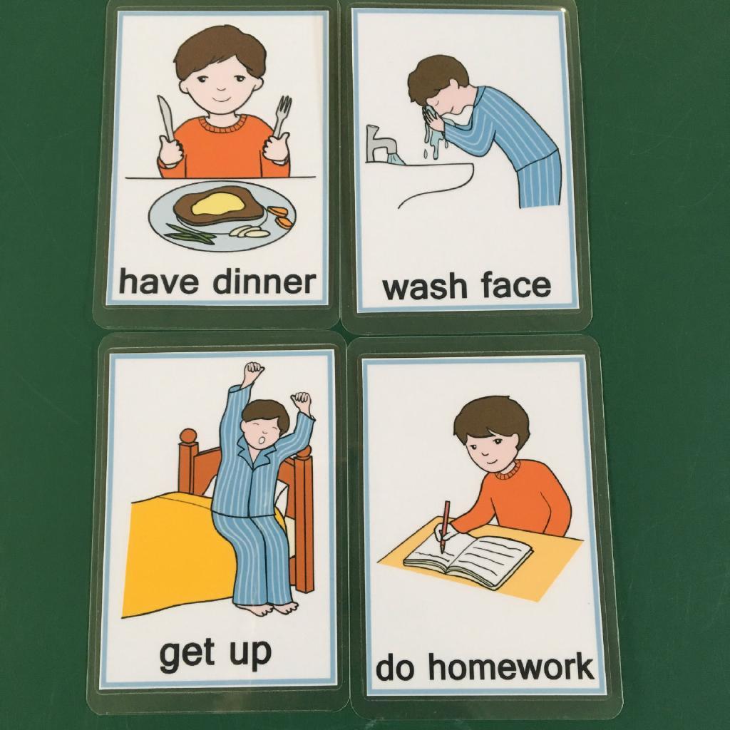 Bộ Thẻ Bài Giúp Bé Học Tiếng Anh