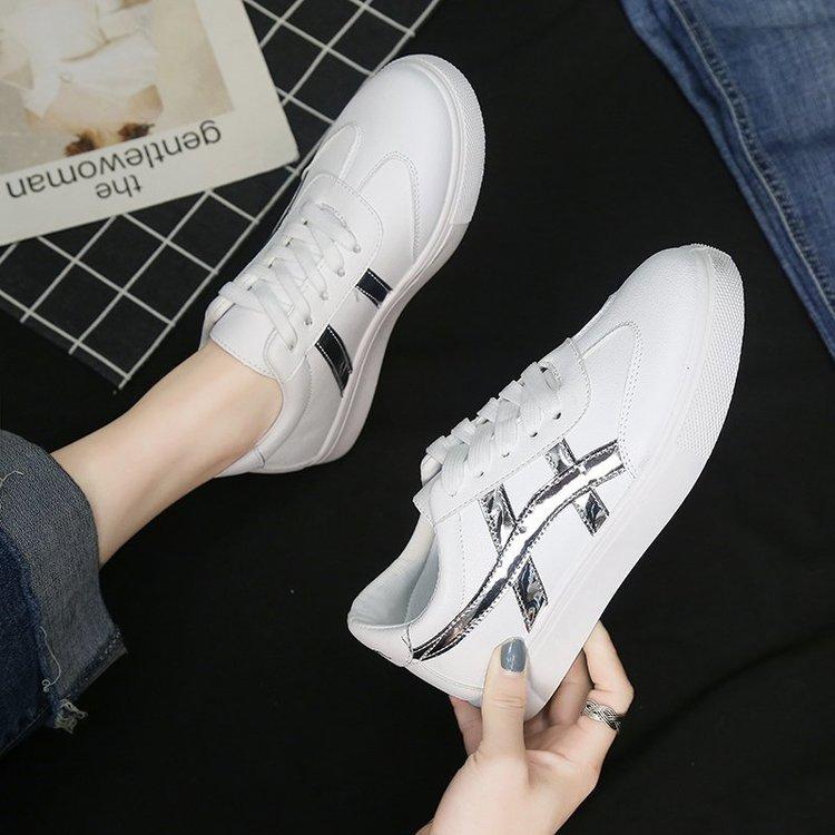 Giày Thể Thao Nữ Thời Trang Năng Động