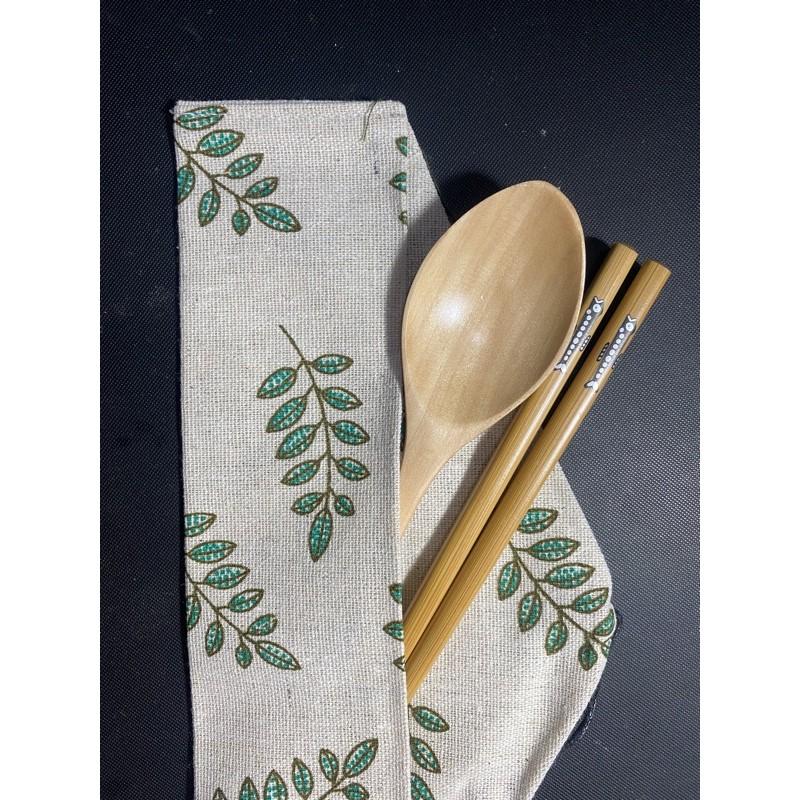 Bộ muỗng đũa gỗ (cá ốm) kèm túi quấn