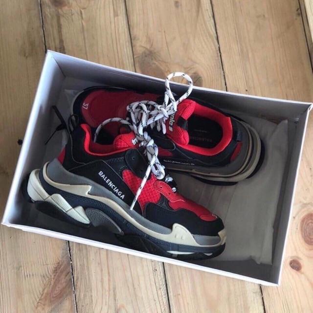 giày balenciaga đỏ hàng chất lượng ( full box + freeship )