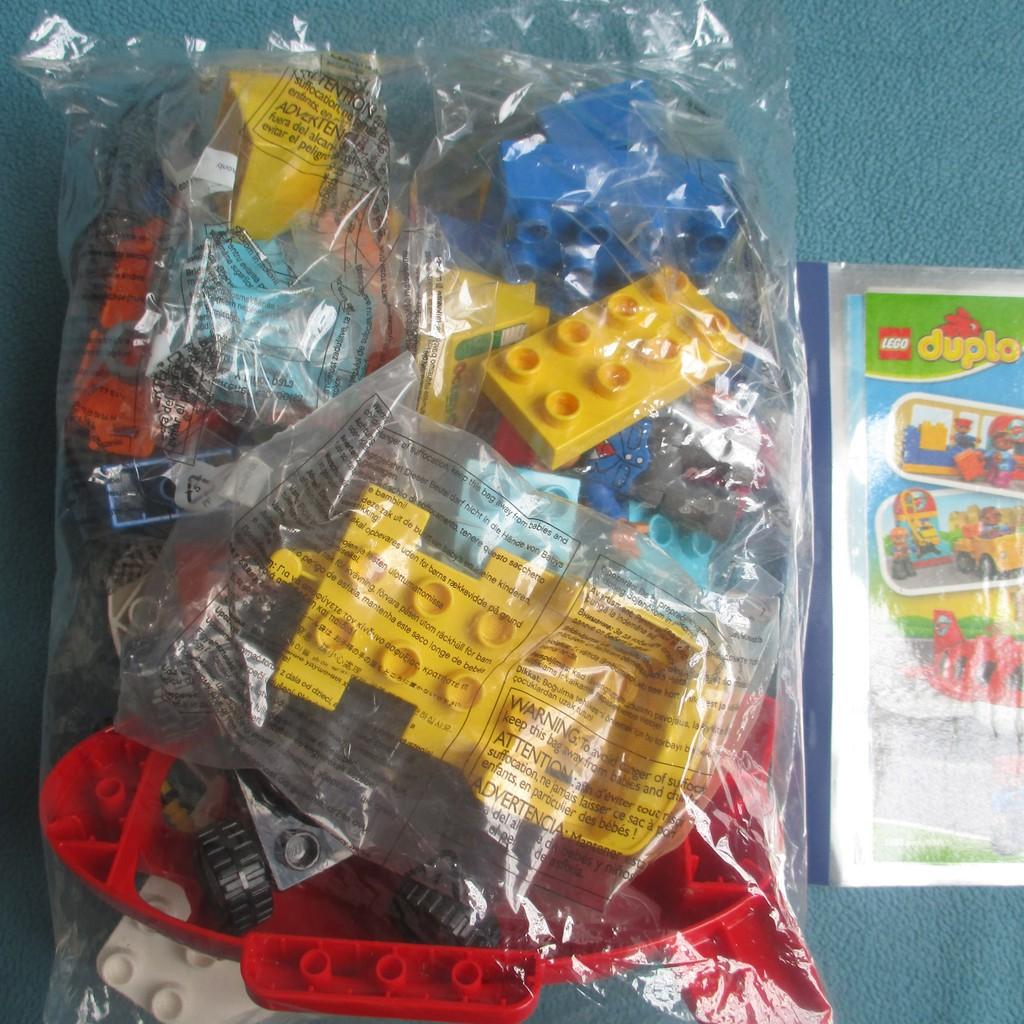 LEGO Duplo 10590 Sân Bay Thành Phố (29 Chi Tiết) - Đồ Chơi Xếp Hình LEGO Chính Hãng Đan Mạch