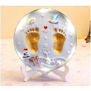 Khung hình in bàn chân bàn tay bé kỷ niệm sáp in an toàn với làn da bé lưu giữ lâu dài