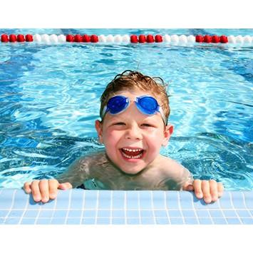kính bơi an toàn cho bé