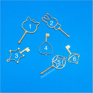 Khung kim loại (phụ kiện resin)