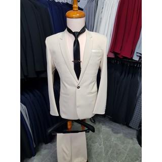 Yêu ThíchBộ vest nam màu kem nhạt form ôm body