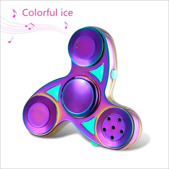 เพลงบลูทู ธ ไจโรชาร์จไฟ LED ไฟส่องสว่างสามใบไจโรปลายนิ้วผู้ใหญ่ของเล่นบีบอัด
